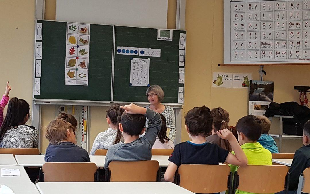 Mit dem Globus im Gepäck nach Afrika – beim Vorlesetag in der Gemeinschaftsschule Mühlacker